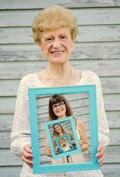 LA FÊTE DES GRANDS-MÈRES APPROCHE! « Une grand-mère, c'est la douceur alliée à l'expérience » Jean Gastaldi Venez lire l'article sur le blog de FOTO.COM: http://www.creerunalbum.com/actu/la-fete-des-grands-meres-approche/