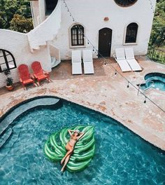 spanish style home and palm leaf pool float = summer goals My Pool, Summer Pool, Pool Floats, Summer Aesthetic, Interior Exterior, Modern Exterior, House Goals, My New Room, My Dream Home