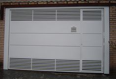 portão-garagem Steel Gate Design, Contemporary Front Doors, House Front Design, Entrance Gates, Iron Gates, Decoration, Garage Doors, Home Appliances, Moca