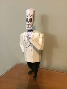 Manny Calavera from Grim Fandango Papercraft I miss this game.... it needs to return !!!