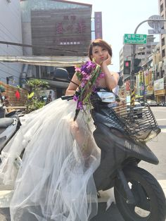 street bride #bride #wedding #dress #bouquet #purple #flowers #timobolte #workshop #design #taiwan Workshop Design, Purple Flowers, Taiwan, Tulle, Bouquet, Bride, Street, Wedding Dresses, Fashion