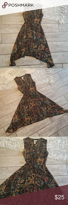 Patterned Dress Patterned dress  Emma Michele Size L  High low hemline  String belt included Emma Michele Dresses High Low