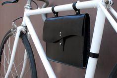 Bolso de cuero bicicleta por BiciCouture en Etsy, $120,00