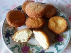 Tortas fritas dulces Pretzel Bites, French Toast, Muffin, Food And Drink, Potatoes, Cheese, Vegetables, Breakfast, Bar
