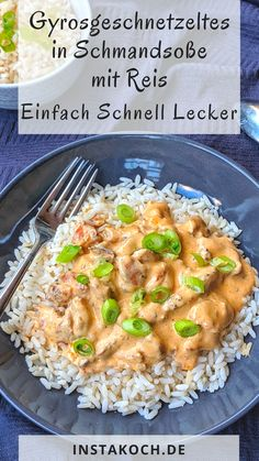 Sliced ​​gyros in sour sauce with rice - Instakoch.de - Leckere rezepte - Sliced ​​gyros in sour cream sauce with rice – Instakoch. Healthy Dinner Recipes, New Recipes, Healthy Snacks, Easy Recipes, Delicious Recipes, Cookie Recipes, Sour Cream Sauce, Family Meals, Group Meals