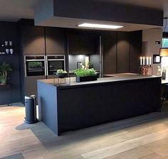 New kitchen decor grey dark ideas Grey Kitchen Designs, Modern Kitchen Design, Interior Design Kitchen, Room Interior, Living Room Kitchen, Home Decor Kitchen, New Kitchen, Dining Room, Awesome Kitchen