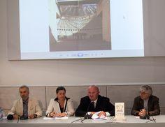 Il Premio Donna del Marmo 2011 all'architetto Mario Botta durante Marmomacc a Verona.