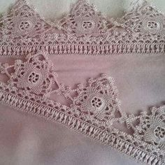 100+ En Güzel İğne Oyaları - Mimuu.com Needle Lace, Needle And Thread, Hobbies And Crafts, Diy And Crafts, Point Lace, Lace Making, Crochet Lace, Needlepoint, Lace Shorts