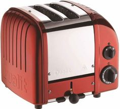 Dualit has upgraded its iconic toaster with a setting for buns and bagels and a defrost setting for frozen bread. What hasn't changed is the superlative quality and design that have made Dualit famous: each toaster is still hand-assembled in… Candy Apple Red, Red Candy, Candy Apples, Red Apple, Dualit Toaster, Toaster Ovens, Small Appliances, Kitchen Appliances, Toaster