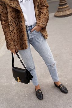 19bf6fbe442 T-shirt  fadela mecheri blogger jeans shoes bag faux fur coat black bag  shoulder