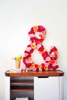 DIY Floral Ampersand & // Poor & Pretty – Celebrate Spring with 23 Floral DIYs Diy Flowers, Fresh Flowers, Paper Flowers, Flower Diy, Flower Crafts, Diy Arts And Crafts, Diy Crafts, Flower Making, Diy Paper