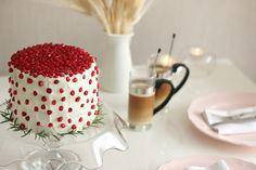 Pandispanya İçin;  5 yumurta  5 kahve fincanı un (280 gr)  4 kahve fincanı şeker (310 gr)  1 kahve fincanı süt(85 ml) 2 yemek kaşığı bal(60 gr)