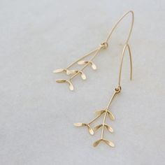 These gold Grassveld Earrings were such fun to make! A special order for a lovely bride's wedding outfit. Custom Jewelry Design, Custom Design, Wedding Jewelry, Wedding Rings, Circuit, Eco Friendly, Boards, Hair Accessories, Jewellery