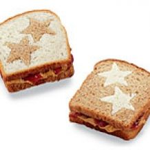 Fun school lunches. Back to school lunches. Peanut Butter and Jelly Stars. First day of school lunch ideas.