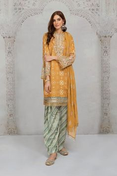 Maria B Lawn, Buy Suits, Eid Collection, Pakistani Dresses, Clothes For Sale, Printed Shirts, Mustard, Kimono Top, Saree