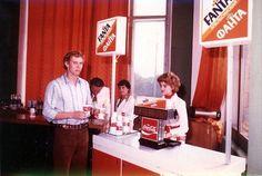 Напитки компании «Кока-Кола» впервые появились в СССР в 1979 году в ходе подготовки Олимпийских игр в Москве.