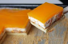 Smotanové rezy s mandarínkami • recept • bonvivani.sk Cupcake Cakes, Cupcakes, Dairy, Cheese, Recipes, Food Cakes, Cupcake, Cup Cakes, Rezepte