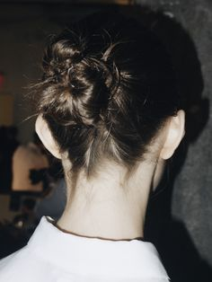 ) A head of distinctly long, thick hair. Beauty Makeup, Hair Makeup, Mane Addicts, Hair Icon, Jason Wu, Brunette Hair, Ss16, Cut And Color, Buns