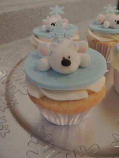 Polar bear christmas cupcakes