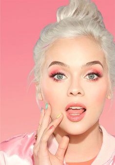 Sweet Peach Collection – Too Faced. OMG it's back! The palette you lost your mind over is now a full peach-scented collection! #tfsweetpeach #toofaced