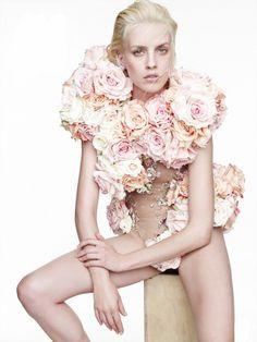 Julia Frauche by Nagi Sakai for Vogue Mexico January 2015