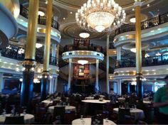 Royal Caribbean | Independence of the Seas | Dining Room