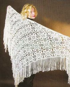White shawl from square motives: the detailed description and the scheme with a photo