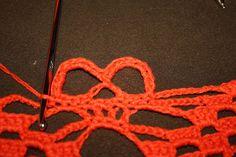 H hobbyside: Da er den her. Crochet Necklace, Crotchet Patterns, Groomsmen, Craft, Crocheting, Amigurumi, Skull, Prepping