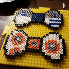 R2D2 and BB-8 Star Wars bows hama beads by nerdology_krafts