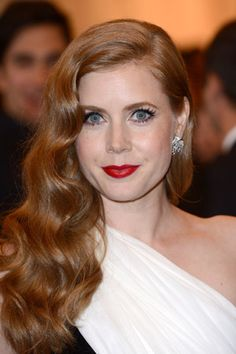 Amy Adams, love her retro hair style, fantastic alternative to an updo.