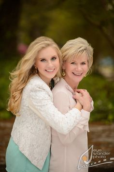 mother and daughter high school senior photos