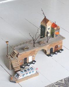 Deze huisjes maak ik van sloophout.
