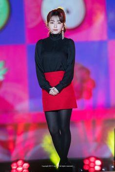 Kpop Girl Groups, Kpop Girls, Girls In Mini Skirts, Red Velvet Irene, Beautiful Asian Women, Party Looks, Seulgi, Red Fashion, South Korean Girls