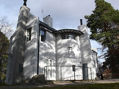 Views of the bed and breakfast or self catering accommodation house 'The Artists Cottage' by Ch. R. Mackintosh - interiour and exteriour