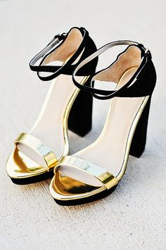 new love! BLACK AND GOLD sandals