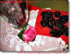Food recipes with step by step photos from preparation,ideal for novice cookers Chocolate Rocks, English Food, English Recipes, Fruit, Desserts, Blog, Cookers, Greek, Kitchens