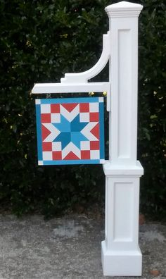 Mailbox Barn Quilt by McGee Town Barn Quilts Barn Quilt Designs, Barn Quilt Patterns, Quilting Designs, Mini Barn, Painted Barn Quilts, Barn Signs, Barn Wood Crafts, Barn Art, Old Barns
