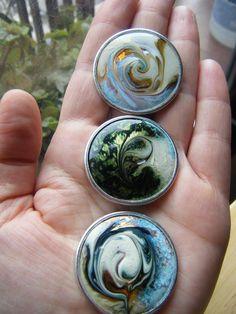 Beautiful Enamels by Gema Sanchez Ciria Porcelain Jewelry, Ceramic Jewelry, Enamel Jewelry, Metal Jewelry, Jewelry Art, Jewelry Design, Jewlery, Artisan Jewelry, Handmade Jewelry