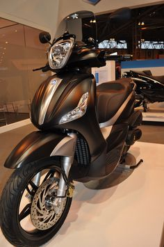 Piaggio Beverly 350 Sport Touring scooter