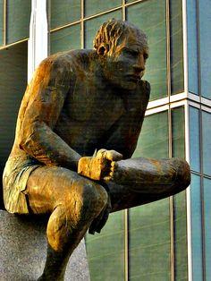 AREL-ARTE: FRANCISCO LEIRO Plastic Art, Contemporary Sculpture, Wood Sculpture, Installation Art, Carving, Design, Wood Art, Art Sculptures, Human Figures