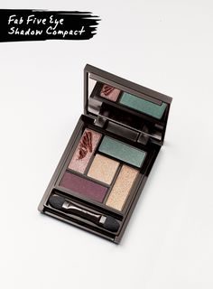 NEW! The go-to, earthy shades in this palette can be mixed and matched for unlimited looks.
