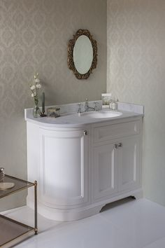 Keep it classic with the Matt White Freestanding 100 Curved Corner Vanity Unit with Right Hand Door from Burlington Bathrooms http://www.burlingtonbathrooms.com/Products/ProductDetail?prodId=90652&name=Freestanding%20100%20Curved%20Corner%20Vanity%20Unit%20Right%20Hand%20-%20Matt%20White%20and%20Minerva%20Carrara%20white%20worktop%20with%20integrated%20white%20basin