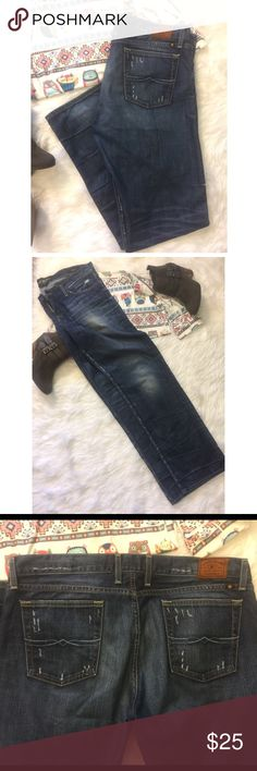 """Lucky Brand Riley Jeans Purposely distressed Lucky Brand Jean. Beautiful coloring. Great jeans ⭐️⭐️⭐️⭐️⭐️ NWOT measurements are 19.5"""", rise 10"""", inseam 32"""" and leg opening 9"""" 💗 these jeans will not disappoint. Lucky Brand Jeans"""