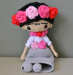 Blog sobre cosas bonitas hechas de ganchillo, como amigurimis, bolsos, monederos, cestos, bufandas, gorros y chales. Crochet Doll Pattern, Crochet Dolls, Knit Crochet, Crochet Patterns, Crochet Hats, Crochet Fairy, Amigurumi Tutorial, Yarn Bombing, Crochet Videos