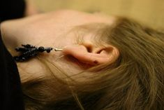 Ear wax serves an important purpose by trapping debris before it can get further into your ear. But when you accumulate too much ear wax, it can cause. Dry Skin Remedies, Home Remedies, Natural Remedies, Health Remedies, Ear Cleaning, Cleaning Hacks, Ear Wax Buildup, Ear Wax Removal, Vinegar And Water