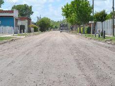 Reparación de calles en barrios de la Delegación Zona II: Se repararon y mejoraron las calles que componen a manzanas de Barrio Obrero y reparaciones sobre la calle '3 de Abril', en el tramo que va desde la Avenida 'Juan Domingo Perón' (ex 66) hasta el camino a la Playa Bagliardi.