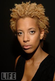 Carly Cushnie, one half of design duo Cushnie et Ochs, and her great hair and sense of style.