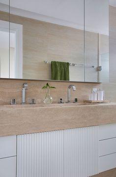 Decoração do primeiro apê com tons neutros e madeira. No banheiro, lavabo, tons neutros, plantas. #decoracao #decor #details #casadevalentina
