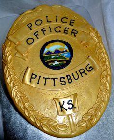 Police badge birthday cake 10380906_716807565043608_1509353227306261988_n.jpg (781×960)