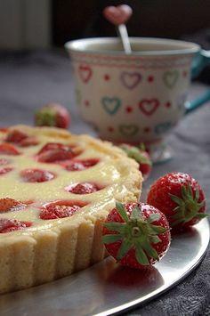 vanilla pie with strawberries Sweet Pie, Fika, Summer Recipes, Strawberries, Bakery, Vanilla, Deserts, Swag, Pudding